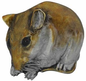 Field Mouse Belt Buckle with display stand. Product code: KK6