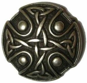 Knotwork 'Old Silver' Belt Buckle + display stand. Code XP7